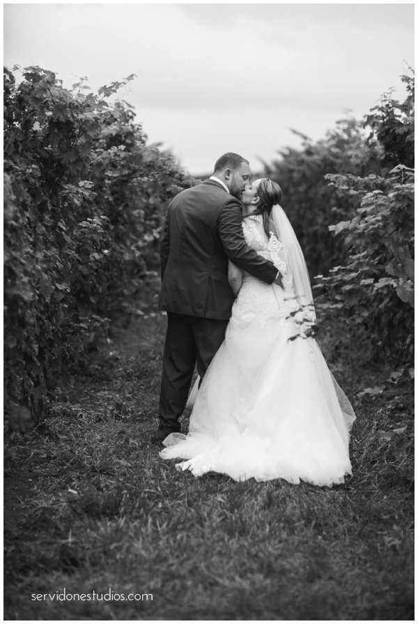 Saltwater-Farm-Vineyard-Wedding-Servidone-Studios-WEB_0034